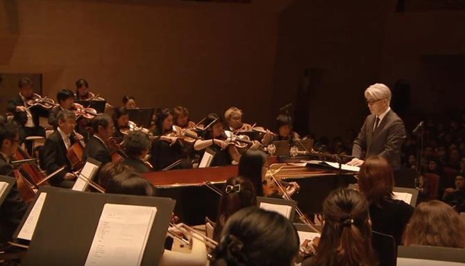Ryuichi Sakamoto e a Orquestra Filarmônica de Tóquio
